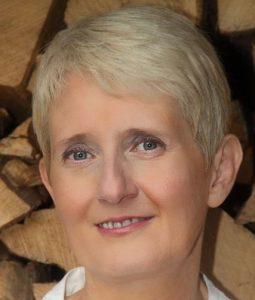 Portrait von Dr. Annette Pitzer